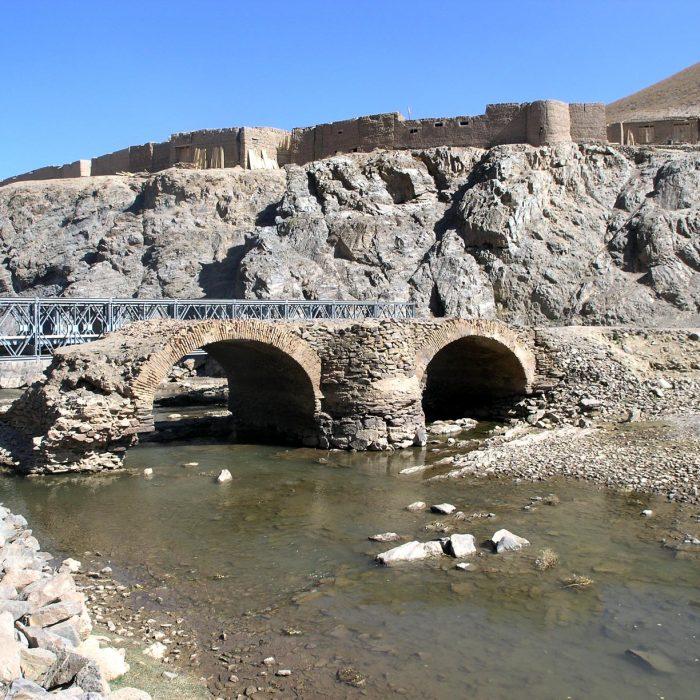 Senasis ir naujasis tiltai Sinja